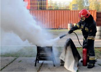 Gaszenie dwutlenkiem węgla – płomienie zniknęły tylko na czas podawania środka gaśniczego